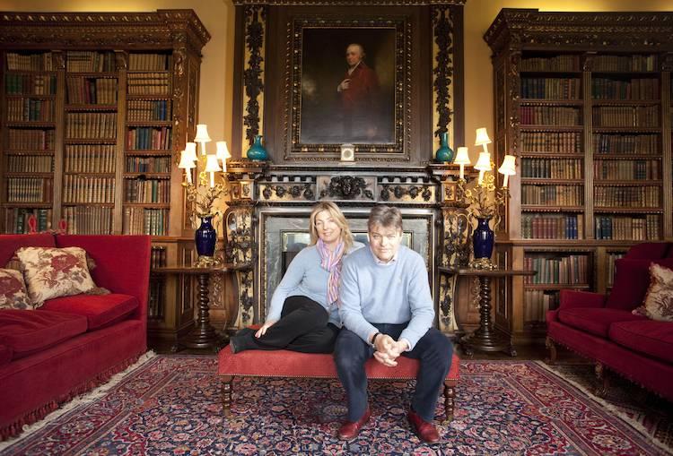 partez la d couverte des lieux de tournage de downton abbey vid o infos t l vision t l pro. Black Bedroom Furniture Sets. Home Design Ideas